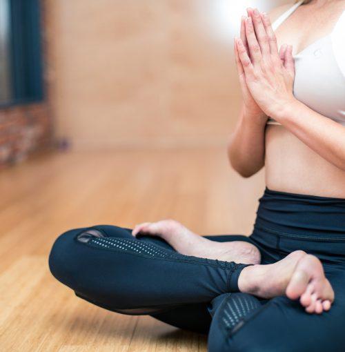 Méditation_vs_yoga_:_lequel_est_le_meilleur_pour_moi_?